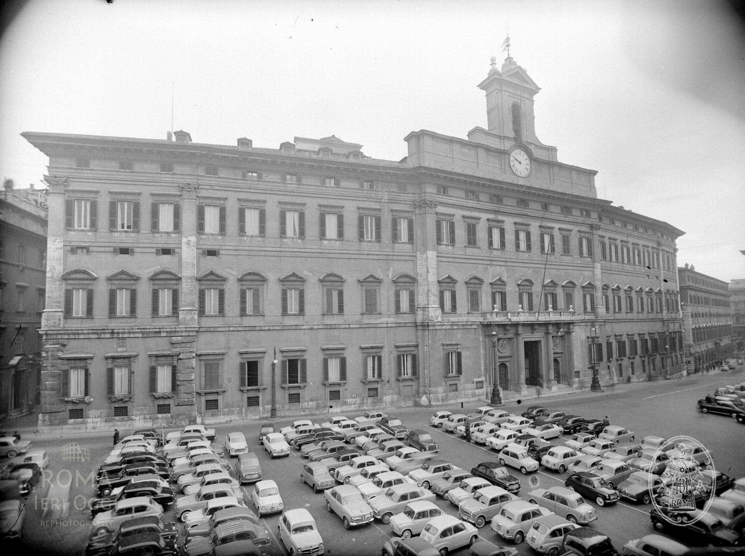Piazza di monte citorio 1955 roma ieri oggi for Piazza montecitorio 12