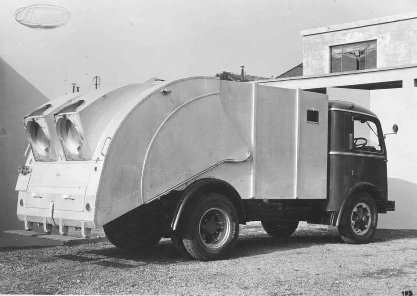 Autocarro per trasporto immondizie stradali 1951 2