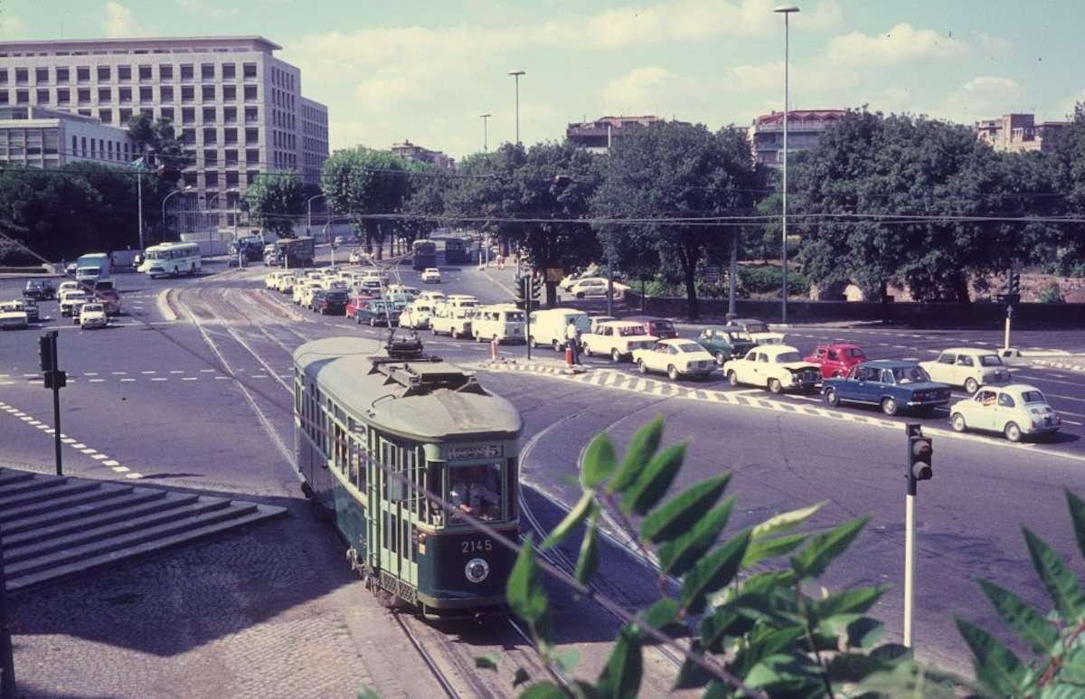 Piazza di Porta Capena