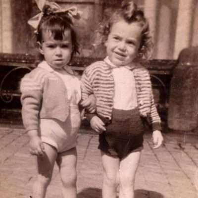 Livio Camilli - .....io ed Agnesina (la prima donna della mia vita che ho lasciato perché era troppo possessiva!) a Roma in piazza San Pietro accanto alla fontana del Vignola
