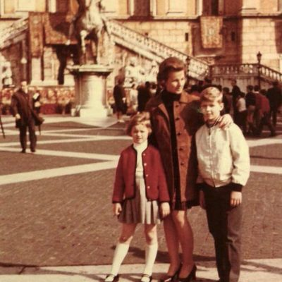 Astrid Hoischen - 1968:69 ca. Con mia madre e mio fratello.