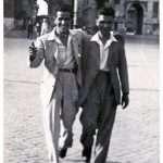 Danila Ticconi - 1944 - Piazza del Popolo, mio padre allegro e sorridente, con un amico