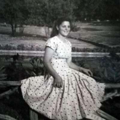 Elisabetta Elly Cesarini - Anno 1952.. mia madre a Villa Borghese o Villa Pamphili?
