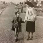 Federica RInaldoni - Monteverde, via Guinizzelli, prima metà anni '50. Mia nonna e mio padre in passeggiata.