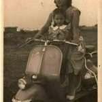 Frederic Spildooren - Mia Mamma e mia Nonna sulla Vespa di Nonno!Andavano da via Filippo re nel Quadraro fino al mare e pure a Subiaco!Mamma stava in piedi davanti, Nonno guidava e Nonna dietro!