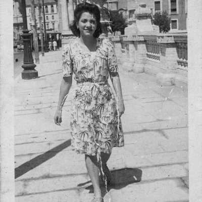 Gabriella Schiavello - Mia madre nel 1947 su P.te Vittorio Emanuele