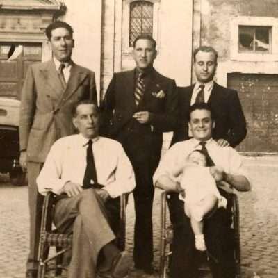 Giuseppe Pino Giampaolo - 1933Il nonno e la madre di mia moglie. Piazza dalla Consolazione. Notate la quota della Piazza e vedetela oggi