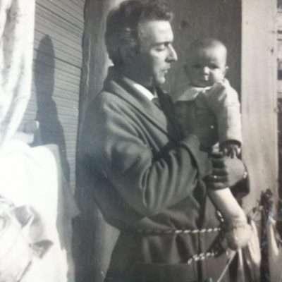 Luciano Romaniello - Io e mio papà, Carlo, sul balcone di casa a via Casilina vecchia. Autunno 1958 (.... circa)