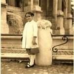 Patti Giune - Emanuela, mia sorella immortalata al Funtanone der Gianicolo da papa'. Anni '70. Notare le maruzzelle e la borsetta!