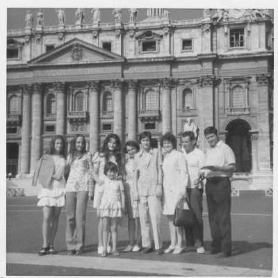 Petraccone Raffaele Cugini Francesi in visita a Roma ( San pietro ) Anno 1968