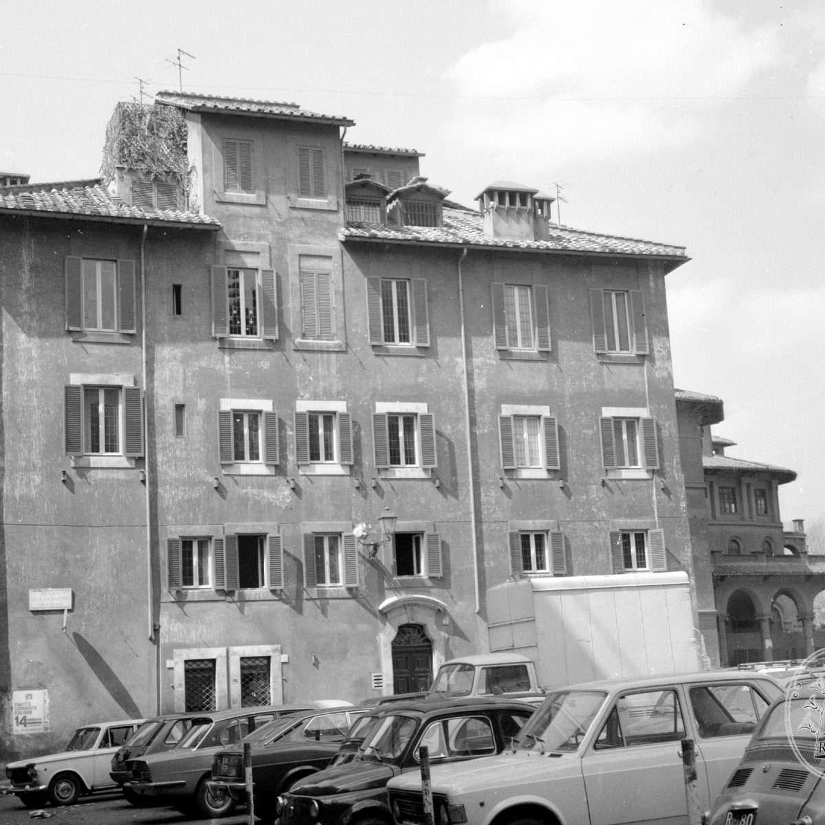 Piazza di San Salvatore in Lauro