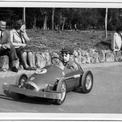 Stefano Prudenzi - Sono io con l'automobilina a noleggio di Villa Borghese. La foto potrebbe essere del 61