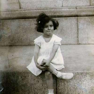 Tiziana Ferretti Privato - mia mamma al Gianicolo 1941 circa
