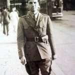 Umberto Montella - Mio Padre, percorre il Ponte Garibaldi, in Roma, nel corso della seconda Guerra Mondiale (1939)