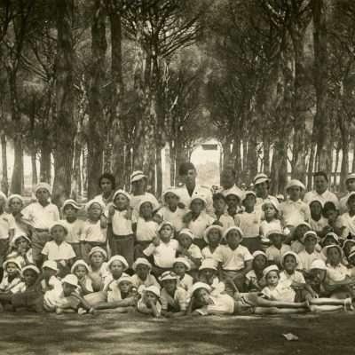 Vanda Sanzogni - Vacanza nella pineta di Ostia. Mio padre Alvaro, 1934 o 1935