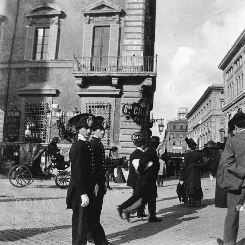 Piazza Colonna (1906)