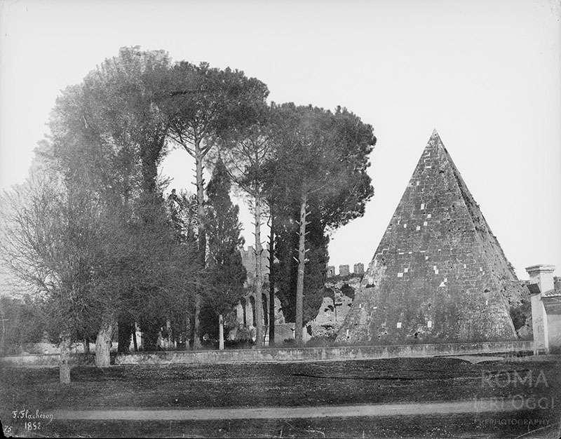 Piramide (Flacheron, 1852)