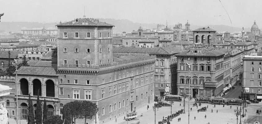 Piazza Venezia (1925)