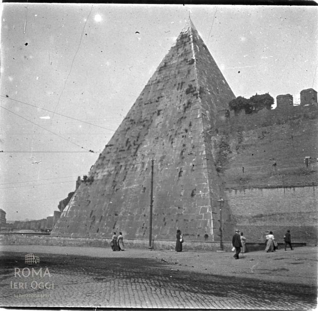 Piramide(Touzard , 1911)