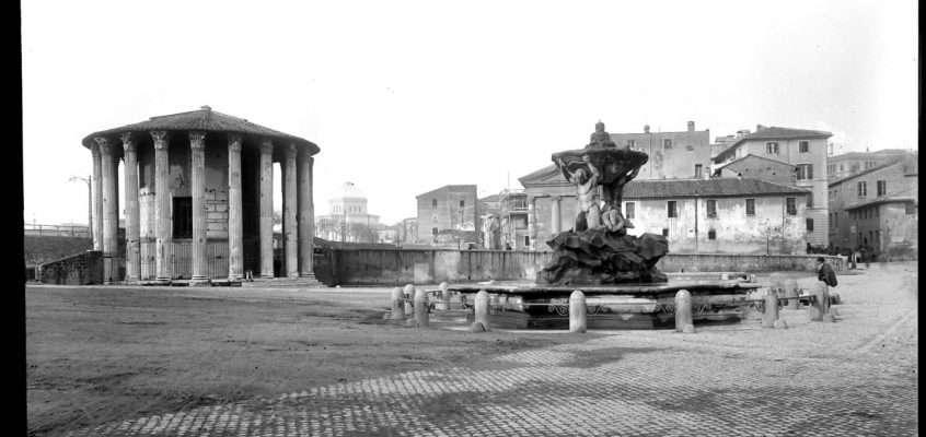 Piazza della Bocca della Verità (1900)