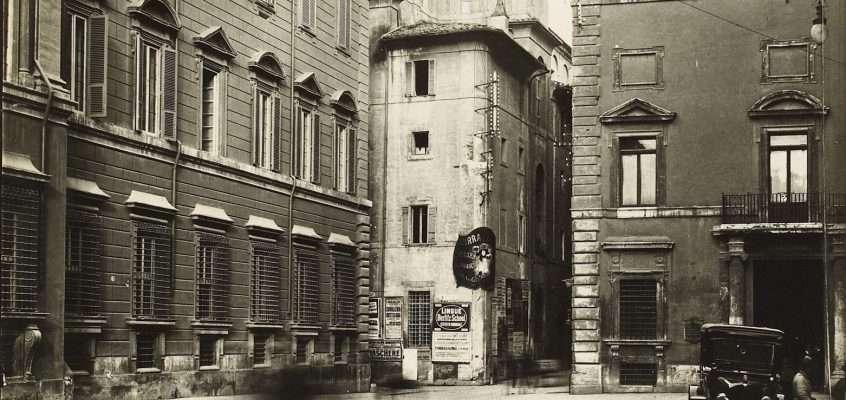Piazza Santi Apostoli (1930 ca )